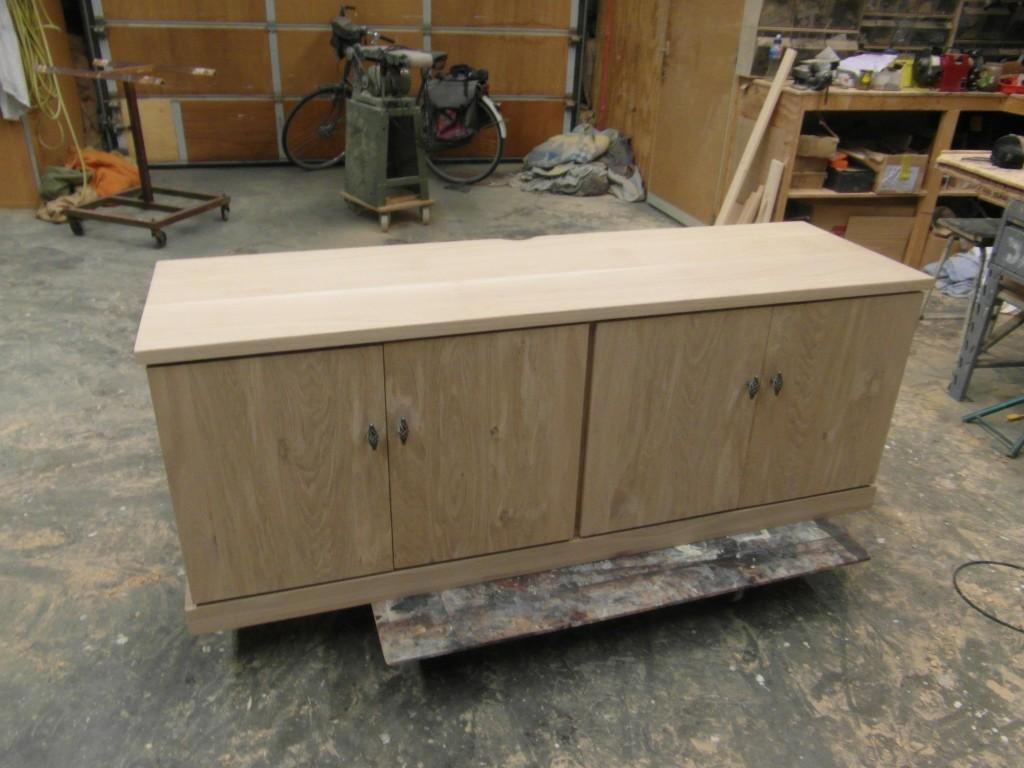 Blank-houten-maatwerk-tv-kast-deuren-De-Pilaer-Schagen-1024x768