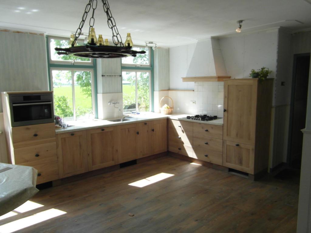 Lichte-houten-keuken_1-1024x768